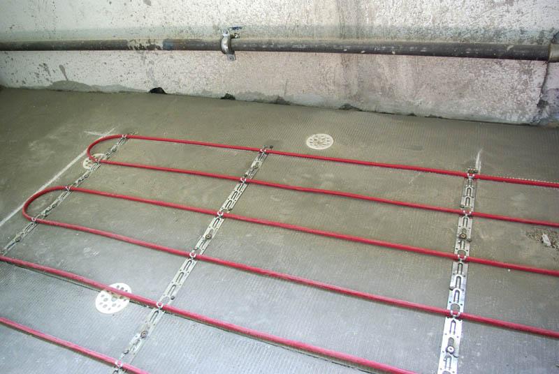 С гидроизоляцией подвал стяжка